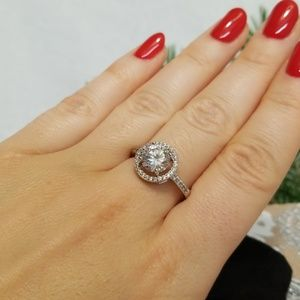 Jewelry - Round Silver Ring with CZ